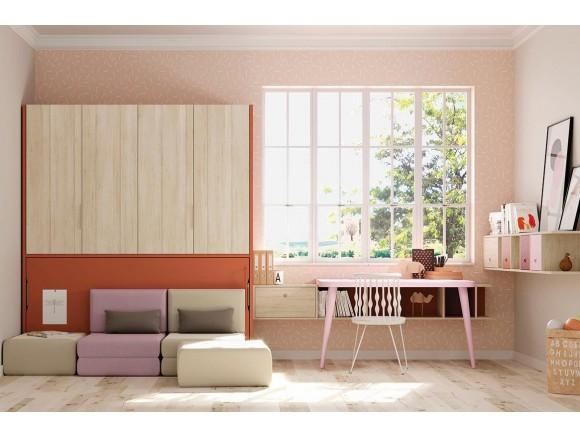 Cama abatible horizontal con sofá y armarios con puertas plegables