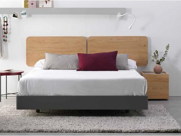 Dormitorio con cabecero de madera en acabado Leopard Oak Ona