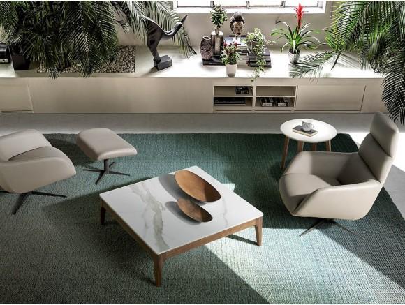 Mesa de centro chapada en nogal con sobre de mármol porcelánico blanco 2042 de Ángel Cerdá