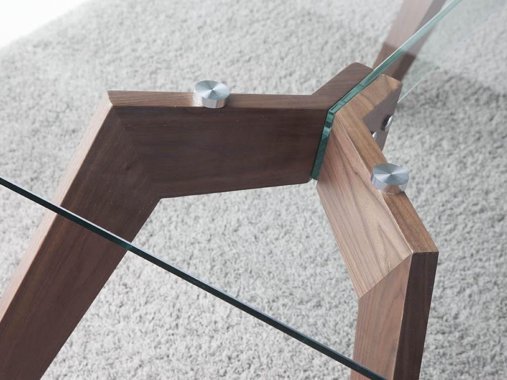 Mesa de comedor con pies chapados en nogal y sobre de cristal templado 1031 Harmony de Ángel Cerdá