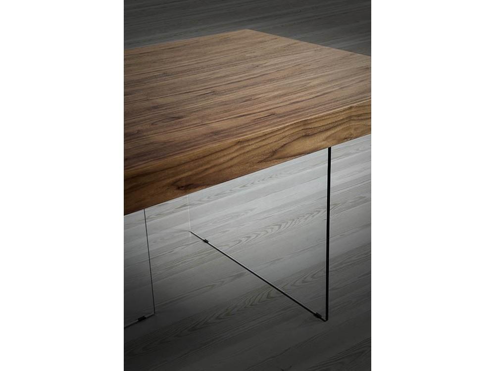 Mesa de comedor con sobre de chapa de nogal y pies de cristal templado 1028 de Ángel Cerdá