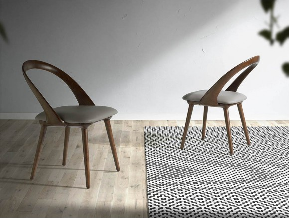Silla de diseño con estructura de madera maciza y asiento tapizado en piel sintética 4063 Harmony de Ángel Cerdá
