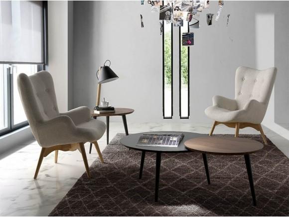 Butaca de diseño envolvente tapizada en textil con pies de madera de fresno 5023 Harmony de Ángel Cerdá