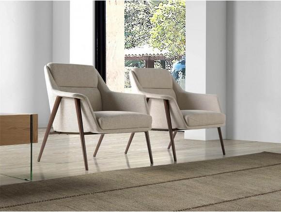 Butaca tapizada en textil con estructura de acero cobre 5010 Harmony de Ángel Cerdá