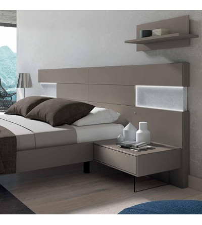 Dormitorio chapado en roble con led y espejo bronce Dreams