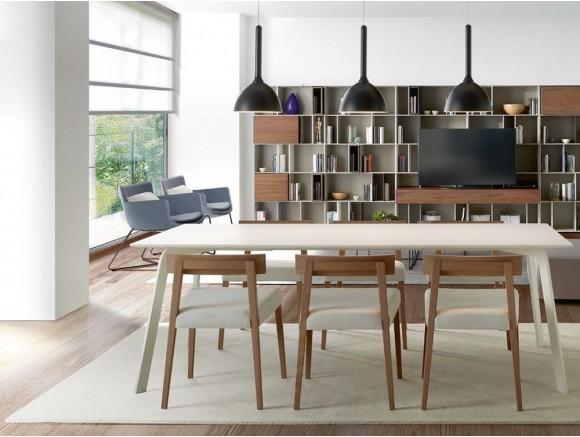 Silla Taiko de madera con asiento tapizado en textil Time