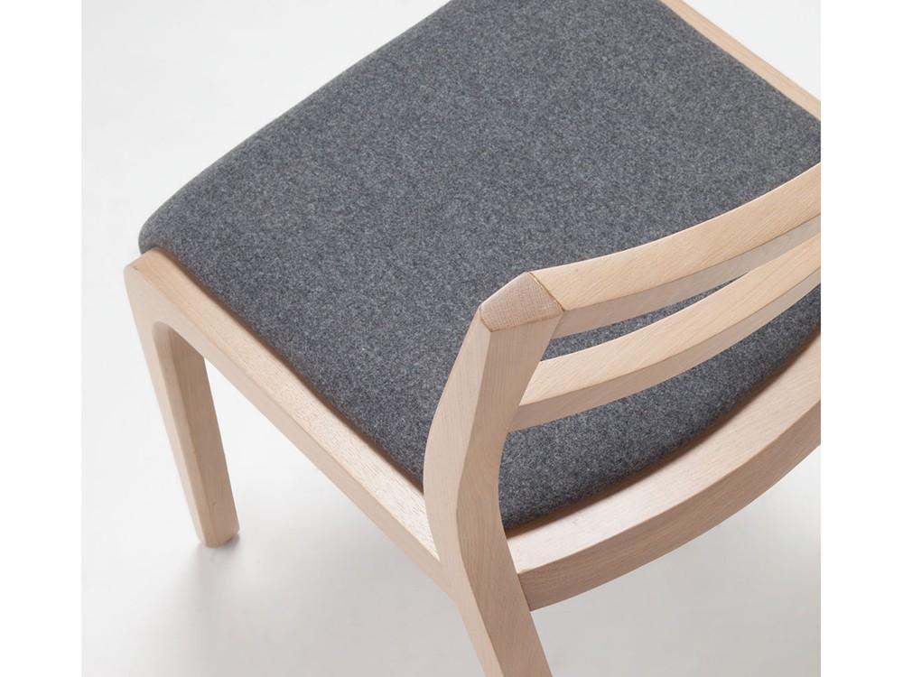 Silla Roa de madera con asiento tapizado en textil Time Loyra - 5