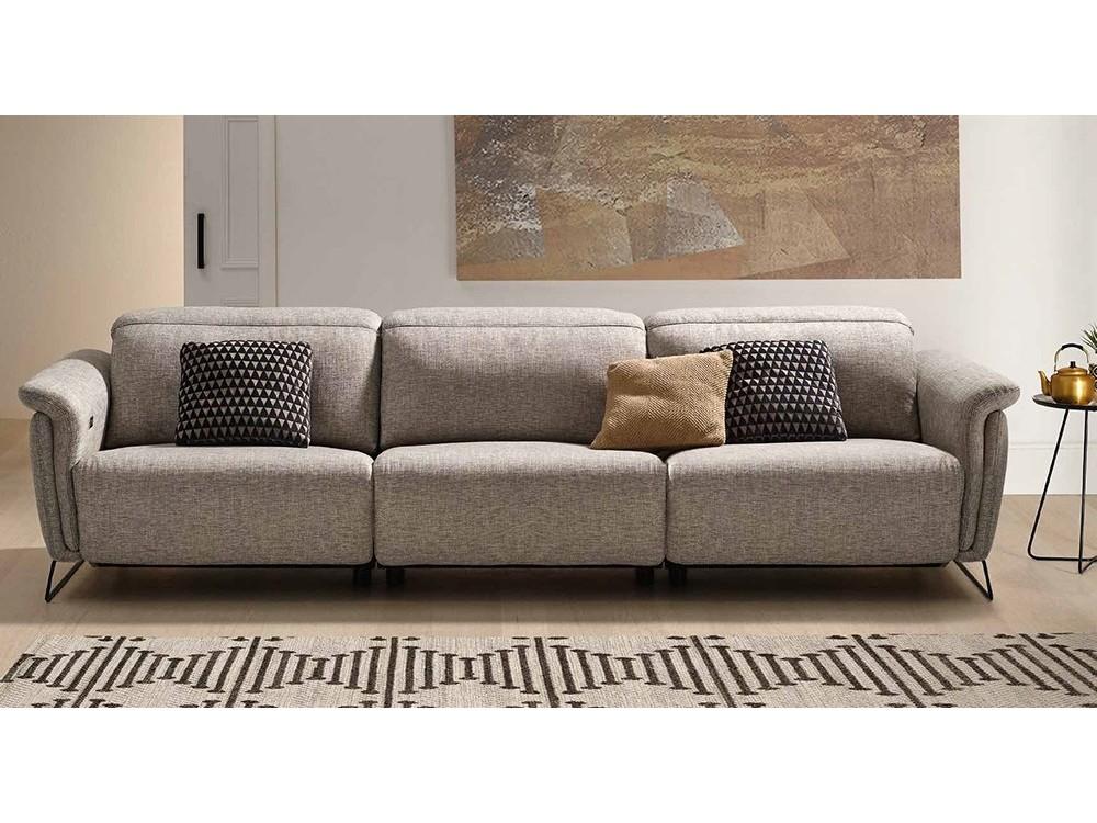 Sofá tapizado en textil o piel Ashley