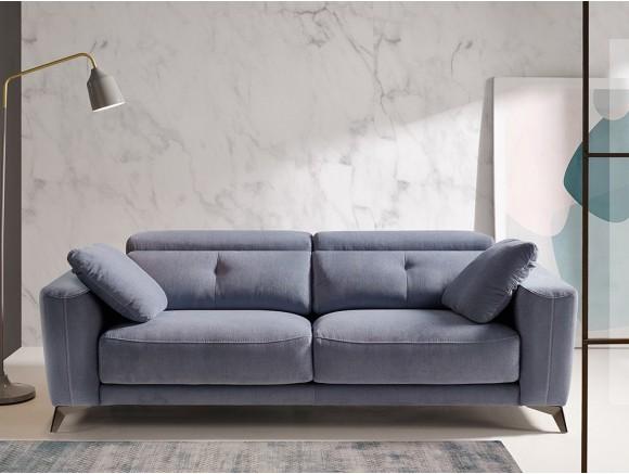Sofá tapizado en textil o piel Julia