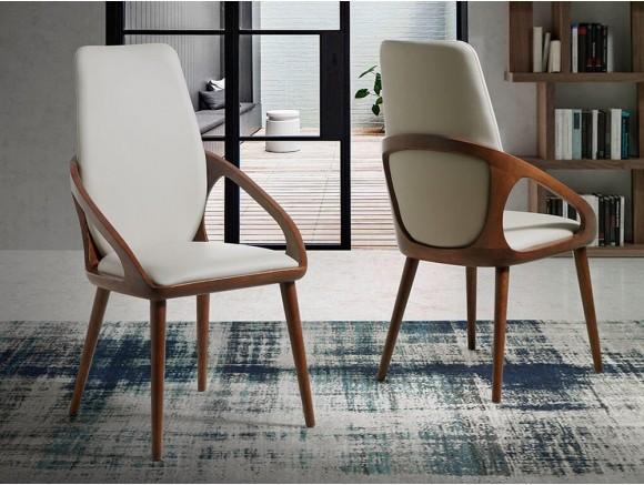 Silla con brazos de madera color nogal y asiento alto tapizado en polipiel 4066 de Ángel Cerdá