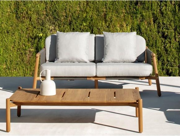 Sofá de exterior de madera...